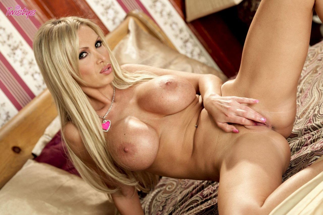 Download nikki benz video-2911